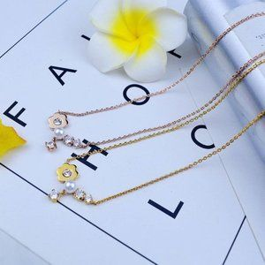 Michael Kors Gems And Flowers Short Necklace